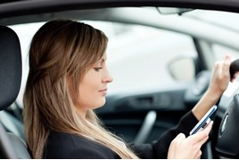 using-phone-behind-wheel_w268
